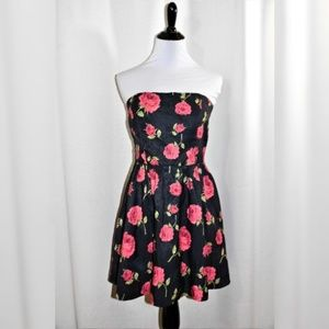 EUC Forever 21 Strapless Rose Print Mini Dress